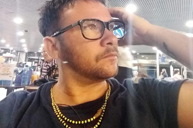 Antropólogo e presidente da Associação Transmasculina do Ceará (ATRANSCE), Kaio Lemos