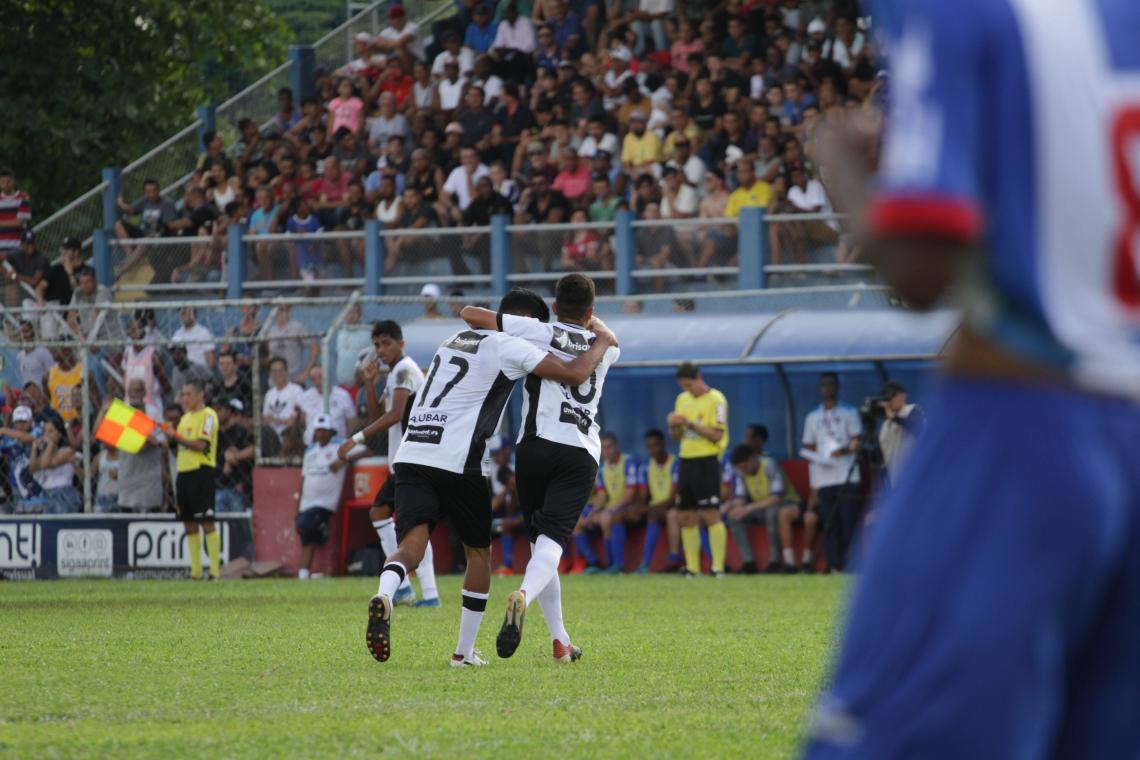Garotos do Ceará celebram a classificação suada no jogo disputado em São Paulo
