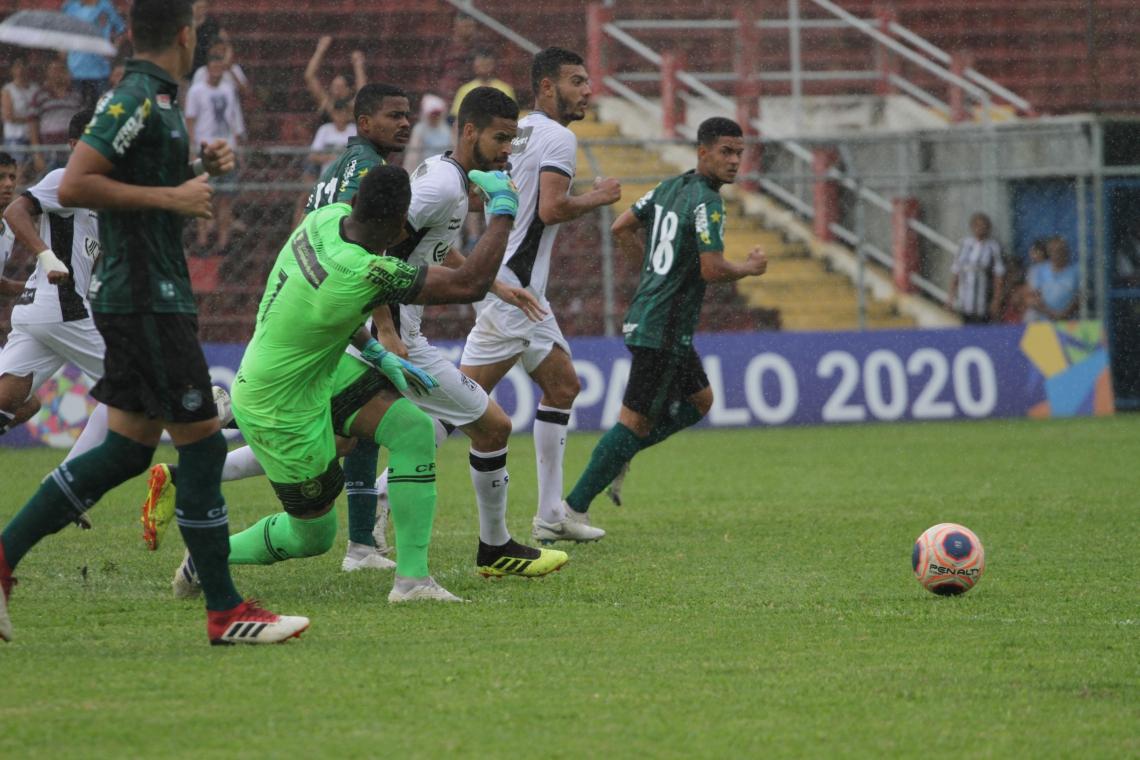 Alvinegro acabou perdendo por 3 a 1