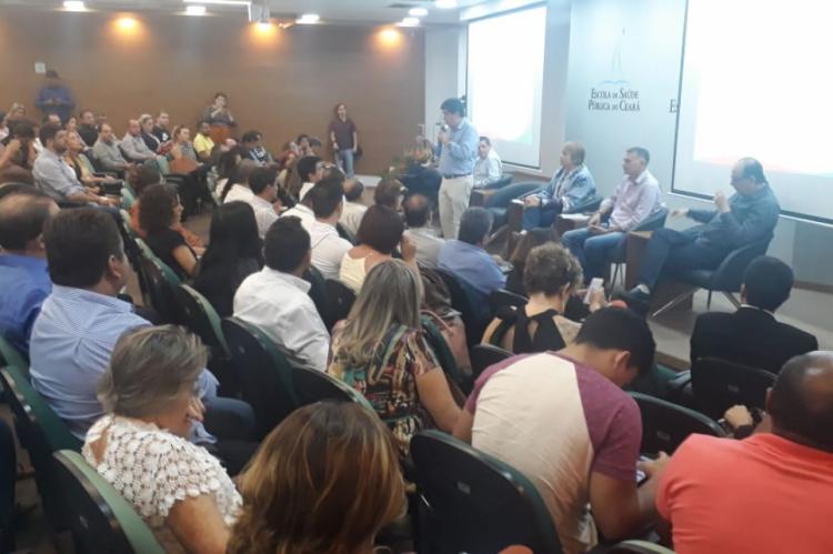 A Secretaria da Saúde do Estado do Ceará (Sesa) realizou nesta segunda-feira, 13, encontro com gestores municipais para debater ações no enfrentamento ao mosquito Aedes aegypti