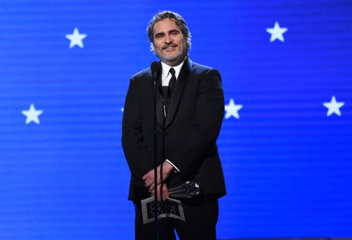 Joaquin Phoenix na 25° edição do Critics Choice Awards.