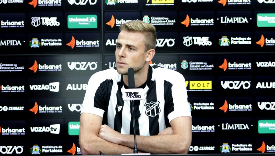 Klaus se mostrou consciente da dificuldade em buscar titularidade no time