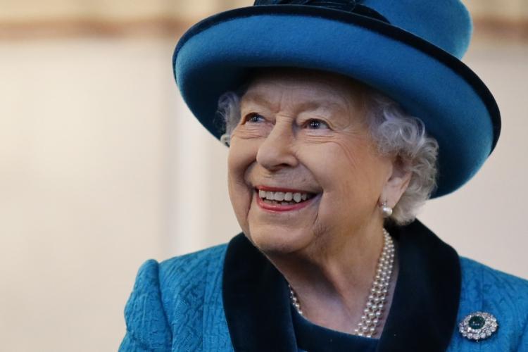 Rainha Elizabeth II e príncipe Philip devem receber vacinação contra covid-19 nas próximas semanas (Foto: Tolga Akmen / AFP)