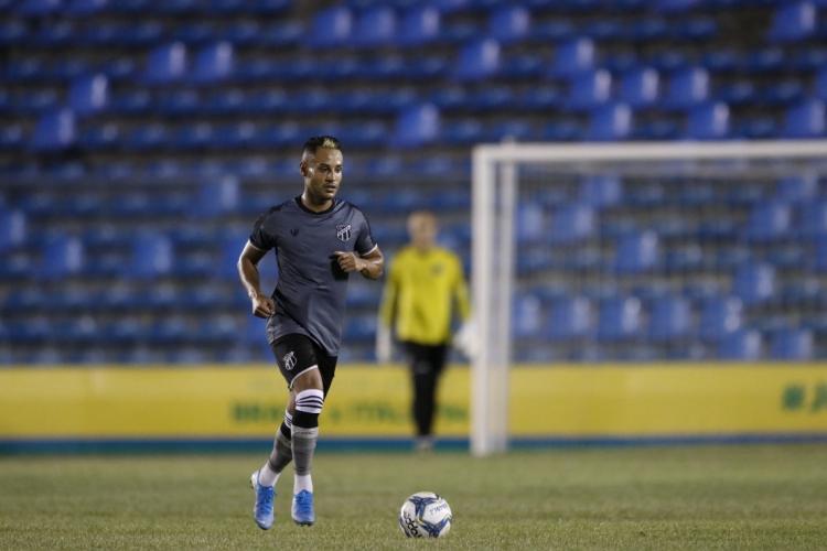 jogador tem um gol em 11 jogos na atual temporada pelo Alvinegro  (Foto: BEATRIZ BOBLITZ/O POVO)
