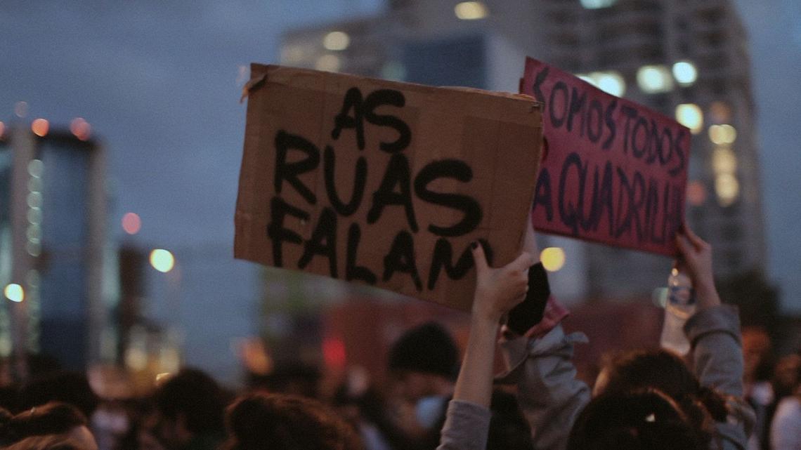 """""""Democracia em Vertigem"""" perdeu para """"Indústria Americana"""", ambos produções Netflix"""