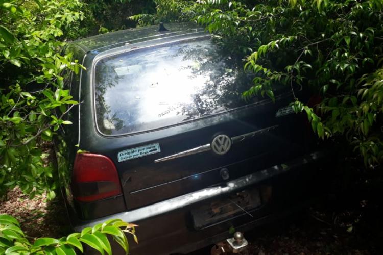 AUTOMÓVEL roubado pelos criminosos  (Foto: via WhatsApp O POVO )