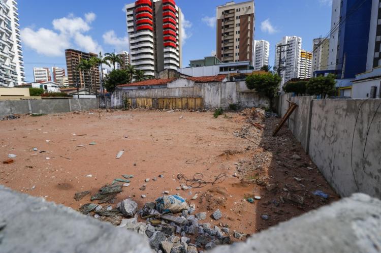 EX-MORADORES, proprietários do terreno não foram procurados pelo poder público