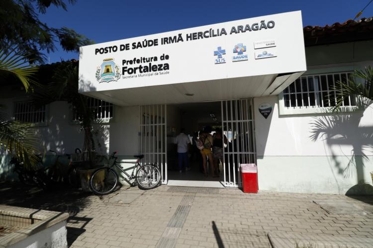 O posto de saúde Irmã Hercília Aragão, no São João do Tauape, será uma das unidades com funcionamento extraordinário neste fim de semana. (Foto: DEÍSA GARCÊZ/Especial para O POVO)