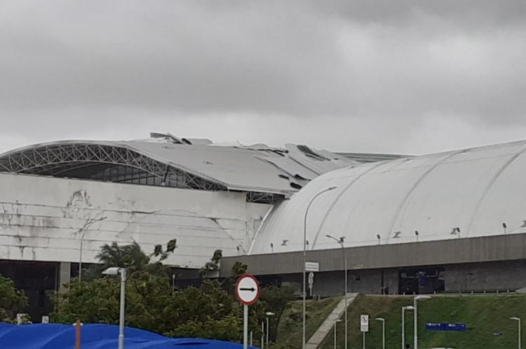 Telhas do Aeroporto de Fortaleza saem do lugar com forte ventania na manhã de ontem