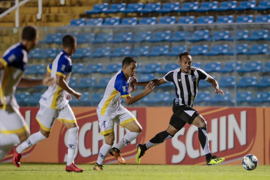 FORTALEZA, CE, BRASIL, 26-01-2020: Bruno Pacheco. Ceará x Frei Paulistano, jogo valido pela Copa do Nordeste, com empate em 2 x 2 no Estadio Presidente Vargas. (Foto: Aurelio Alves/O POVO).