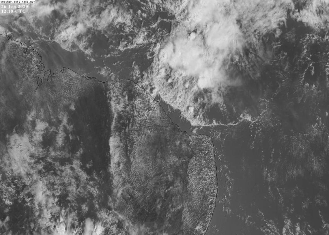 Na imagem de satélite é possível observar a linha de instabilidade