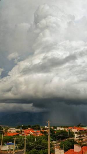 Para esta próxima terça-feira, 28, a previsão é de nebulosidade variável em todas as regiões do Estado com eventos de chuva