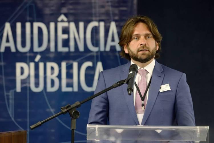 Vicente Santini, secretário executivo da casa civil foi exonerado do cargo após viajar em avião da FAB para Índia. (Foto: Rosinei Coutinho / STF)
