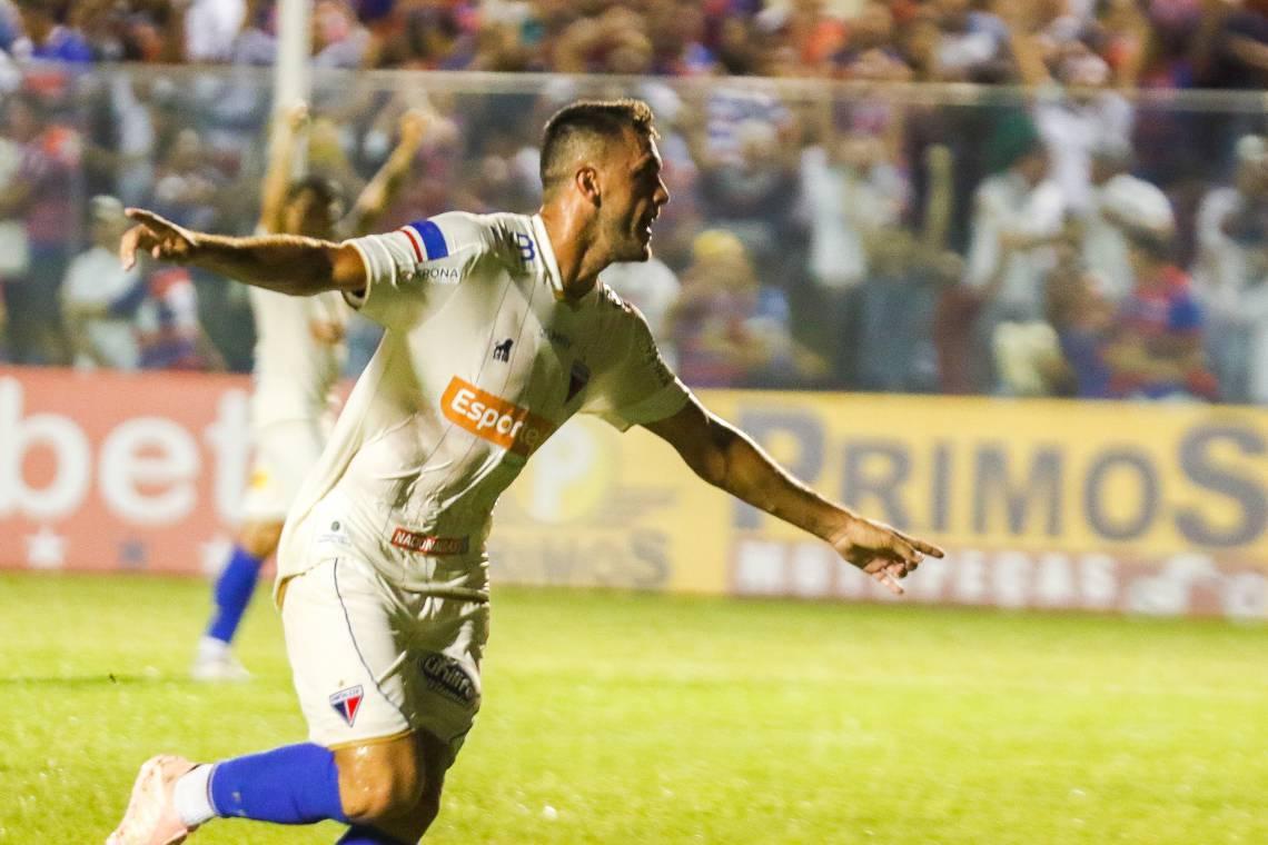 Após 16 partidas e 4 gols, Edson Cariús deixa o Fortaleza e parte para novos voos
