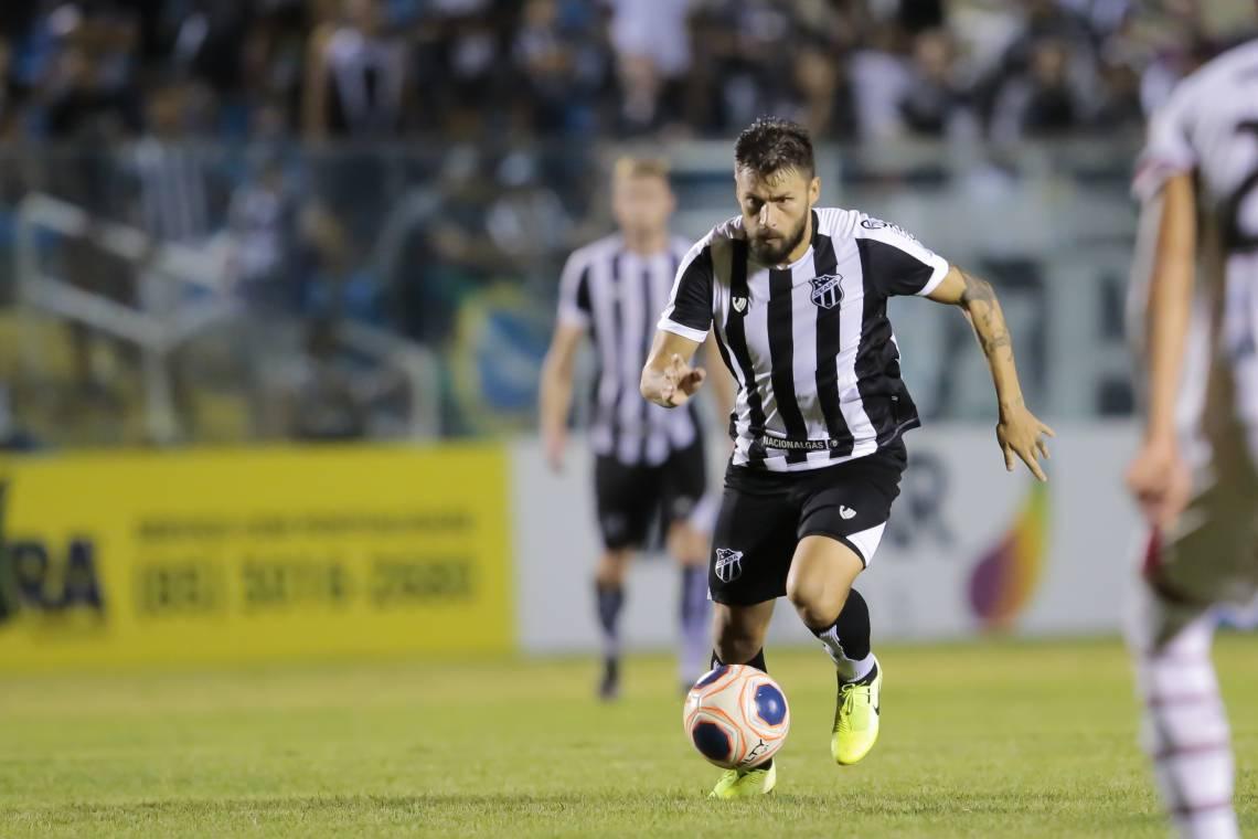 Sóbis entrou no segundo e ajudou o Ceará a buscar o empate.