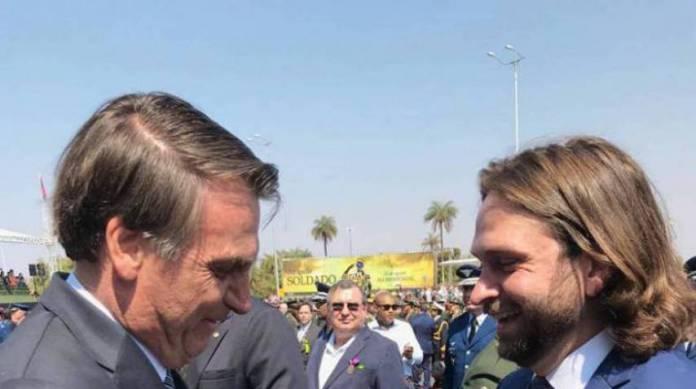 30 de janeiro de 2020, Foto reprodução do twitter de Vicente Santini. Na foto Vicente Santini e o presidente Jair Bolsonaro.