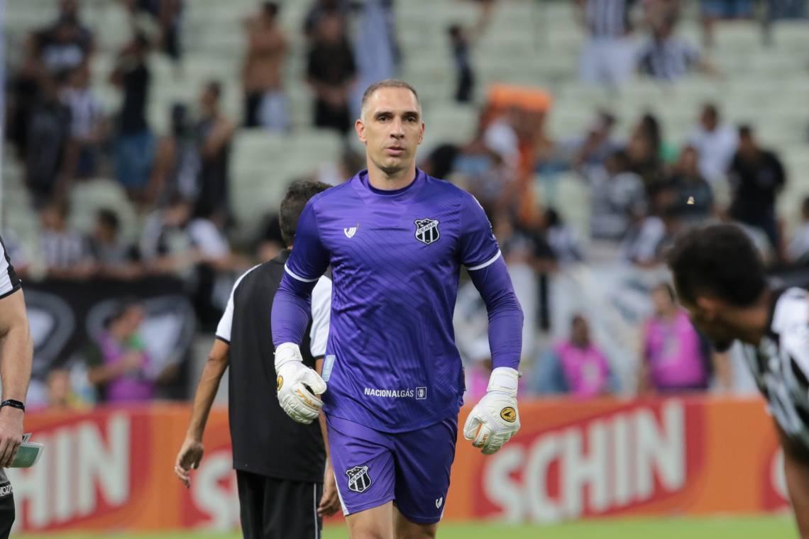 Fernando Prass foi contratado pelo Ceará no início de 2020
