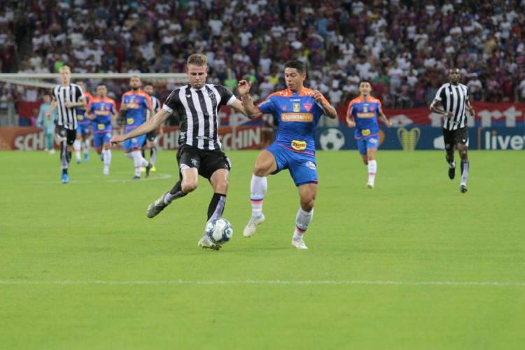 Ceará e Fortaleza empataram em 1 a 1 na Copa  do Nordeste 2020 (Foto: JÚLIO CAESAR/O POVO)