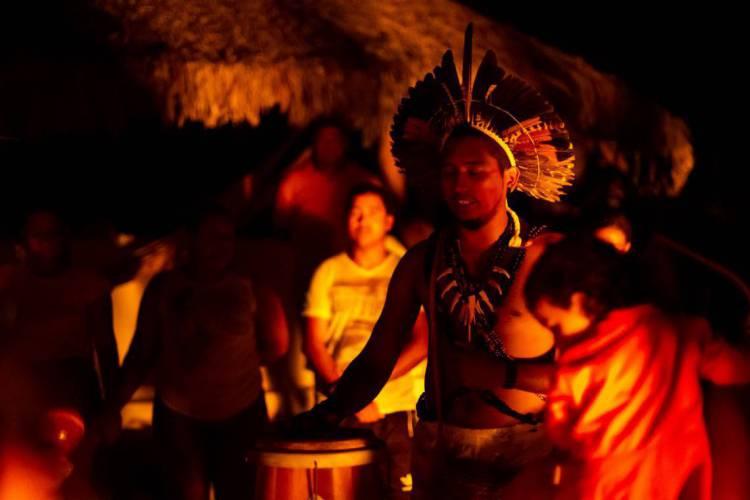 Índios Tremembés no rito ancestral do Torém  (Foto: AURÉLIO ALVES)