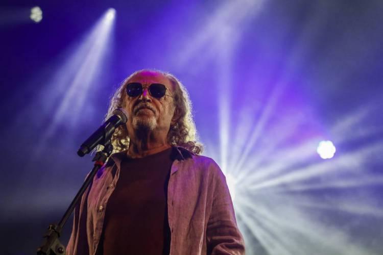 ALceu Valença durante passagem por Fortaleza em 2020, na apresentação do festival I'Music (Foto: Thais Mesquita/O POVO)