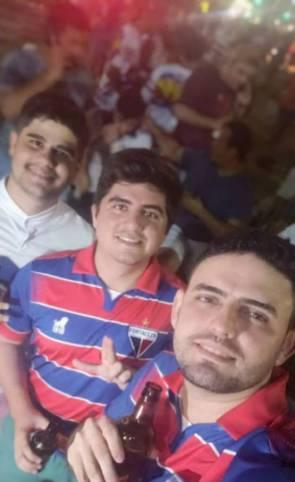"""Júnior Vieira com os amigos """"furões"""""""