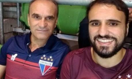 Vinicius Chaim e o pai assistem partida do Fortaleza em São Paulo