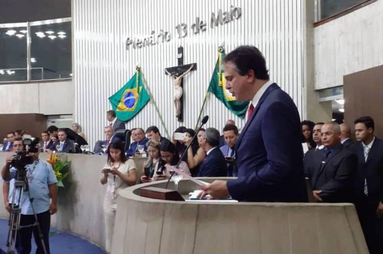 Camilo Santana discursa na abertura dos trabalhos da Assembleia Legislativa
