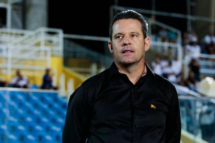 Argel trocou quase todo o time titular do Ceará e venceu sua primeira partida  (Foto: Aurélio Alves/O POVO)