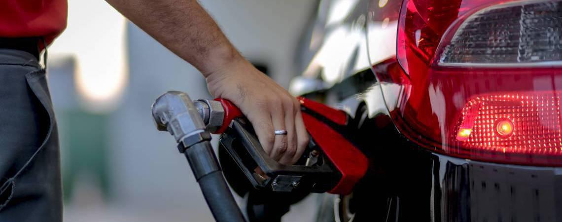 A queda de 1,22% nos Transportes, na RMF, foi influenciada principalmente pela variação da gasolina (Foto: AURELIO ALVES)