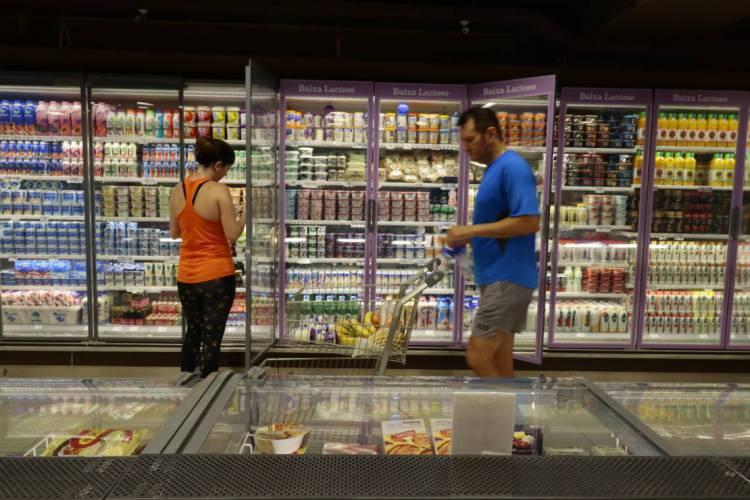 FORTALEZA, CE, BRASIL, 13.12.2019: Supermercado São Luis da Av. Virgilio Tavora.   (Fotos: Fabio Lima/O POVO) (Foto: Fabio Lima)
