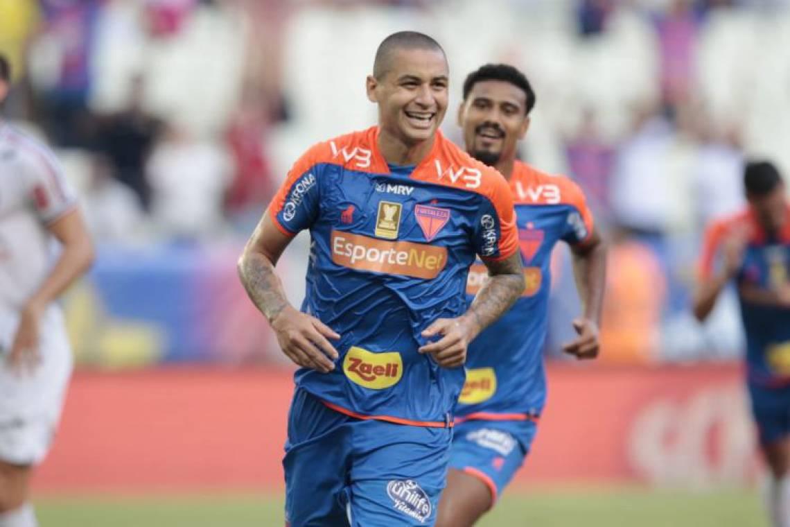 Wellington Paulista marcou dois gols no triunfo do Leão