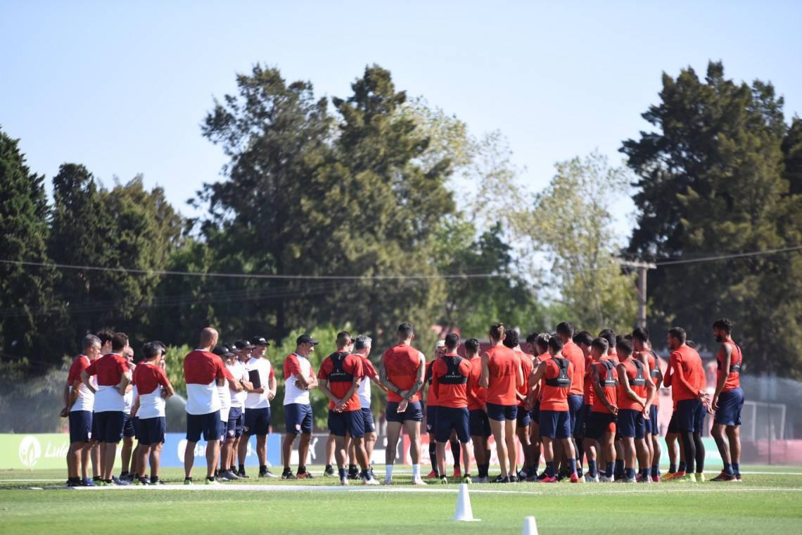 Lucas Pusineri foi anunciado como técnico do Rojo em dezembro de 2019