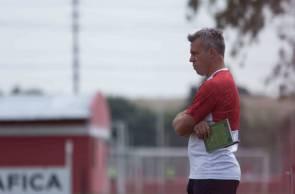 CONTRA o Fortaleza, Lucas Pusineri promove mudanças no Independiente