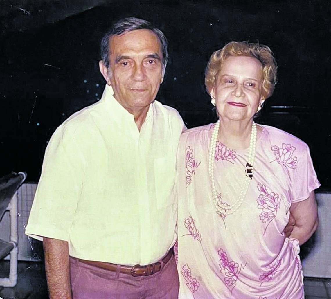 Luís França e sua mulher Dulce, aristocrata Pontual de Pernambuco, que lhe deu quatro filhos