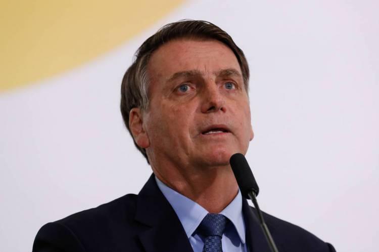 """Após aumento no número de casos de coronavírus no Brasil, Bolsonaro faz pronunciamento com objetivo de tranquilizar a população: """"Não há motivo para pânico"""""""