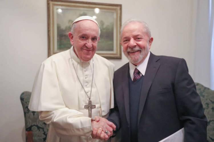 Lula e Papa Francisco na manhã desta quinta-feira, 13, no Vaticano