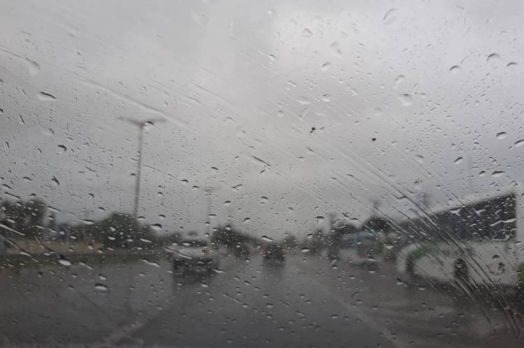 Choveu em Fortaleza pela manhã
