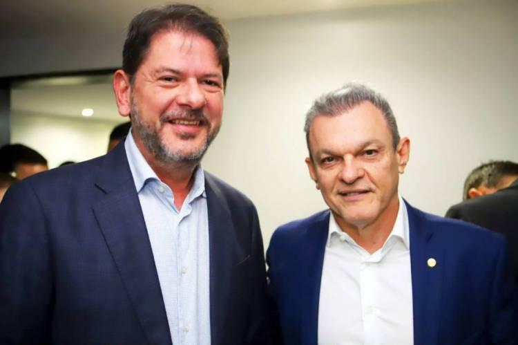 Cid Gomes (PDT) durante o aniversário do presidente da Assembleia Legislativa do Ceará, José Sarto (PDT)