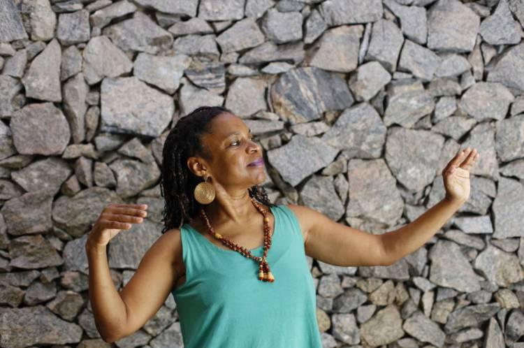 Sandra Petit, professora universitária, cubana residente aqui no Brasil há mais de 20 anos