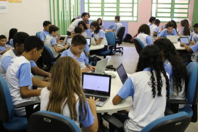 Os estudantes devem retornar às salas no dia 4 de maio (Foto: Fabio Lima/O POVO)