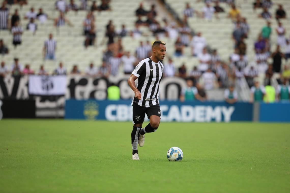 15 de fevereiro de 2020, Lances do jogo entra Ceará x Bahia, pela copa do nordeste 2020, na arena castelão. Em destaque MATEUS GONÇALVES. (Foto JL Rosa/O Povo)