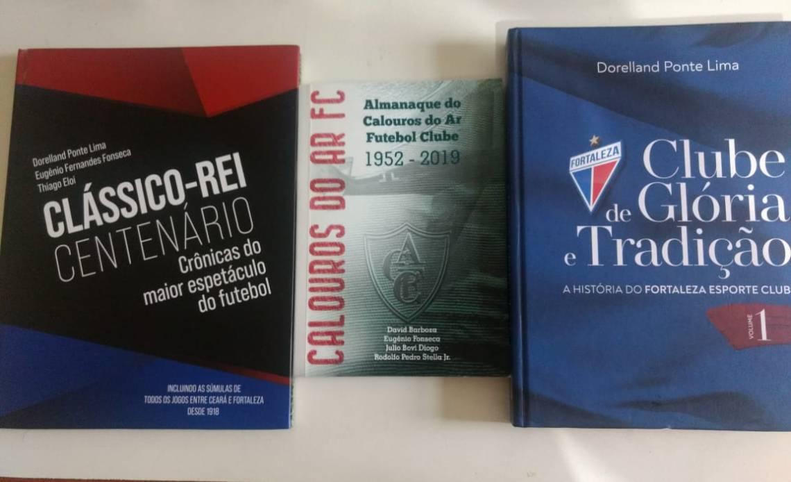 Os três livros foram lançados neste início de ano.