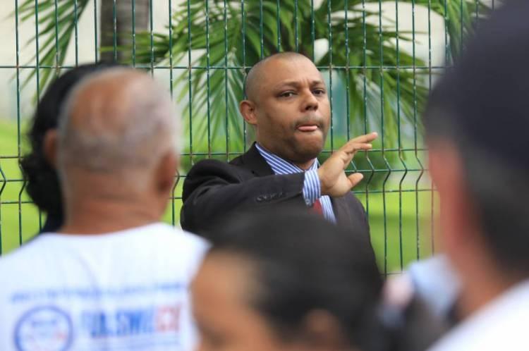 Soldado Noelio, deputado. Protesto de policiais e bombeiros na Assembleia Legislativa
