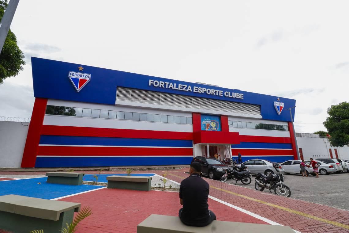 Fachada da sede do Fortaleza Esporte Clube