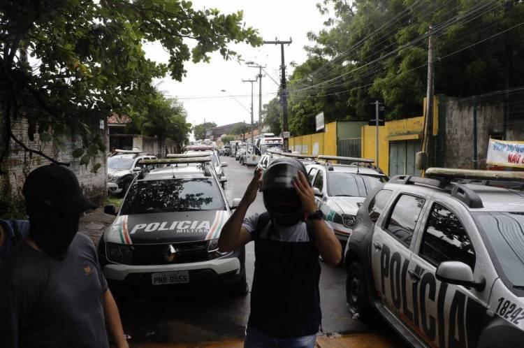 FORTALEZA, CE, BRASIL, 19-02-2020: 18º Batalhão da PM em Antonio Bezerra. Policiais Militares, aderem a paralisação da Policia Militar do Ceará. em vários comandos. (Foto: Mauri Melo/O POVO).
