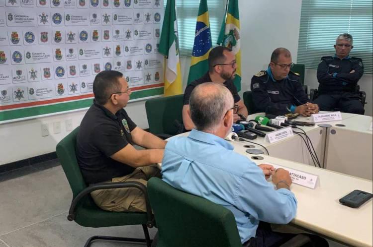 Secretário André Costa concede entrevista coletiva
