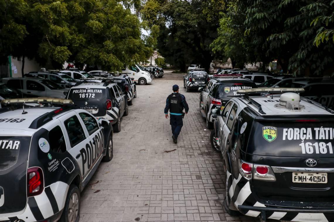 Carros parados durante motim da Polícia Militar em fevereiro de 2020