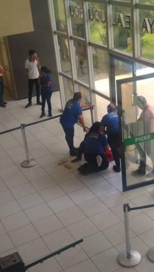 Homem foi baleado na entrada do fórum de Sobral