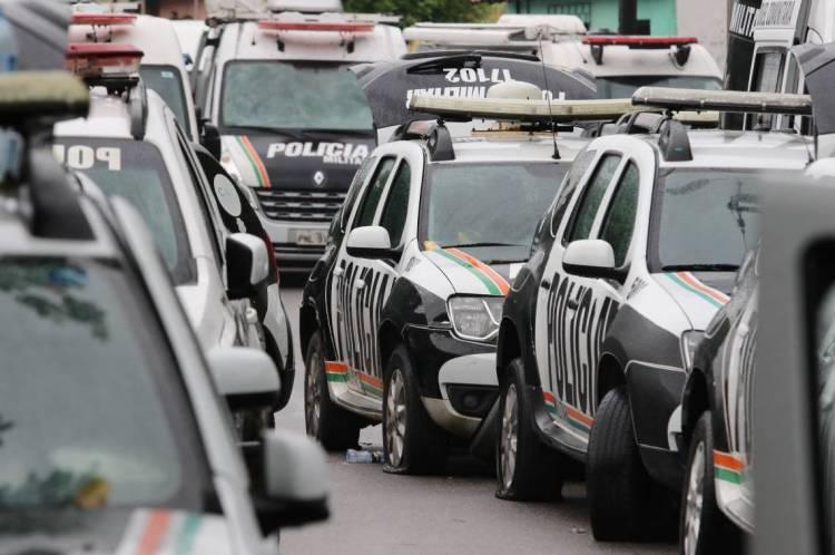 FORTALEZA, CE, BRASIL, 20.02.2020: Policiais continuam amotinados no 18 batalhão militar no bairro Antonio Bezerra.  (Fotos: Fabio Lima/O POVO)