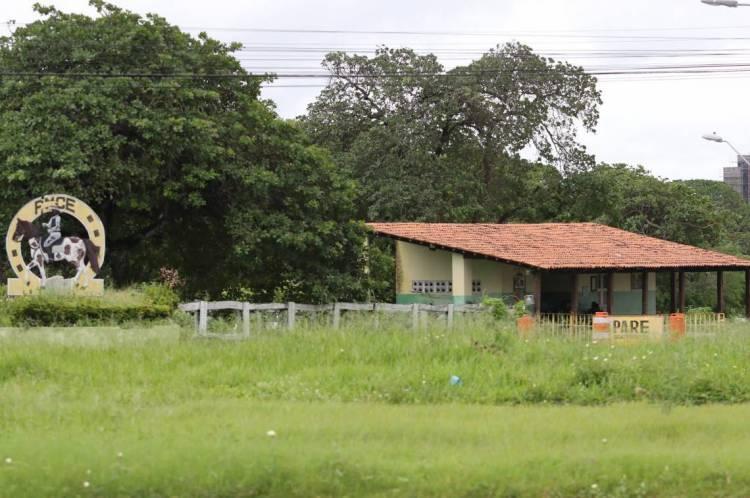FORTALEZA, CE, BRASIL, 20.02.2020: Fachada do quartel da cavalaria, Av. Whashington Soares.  (Fotos: Fabio Lima/O POVO)